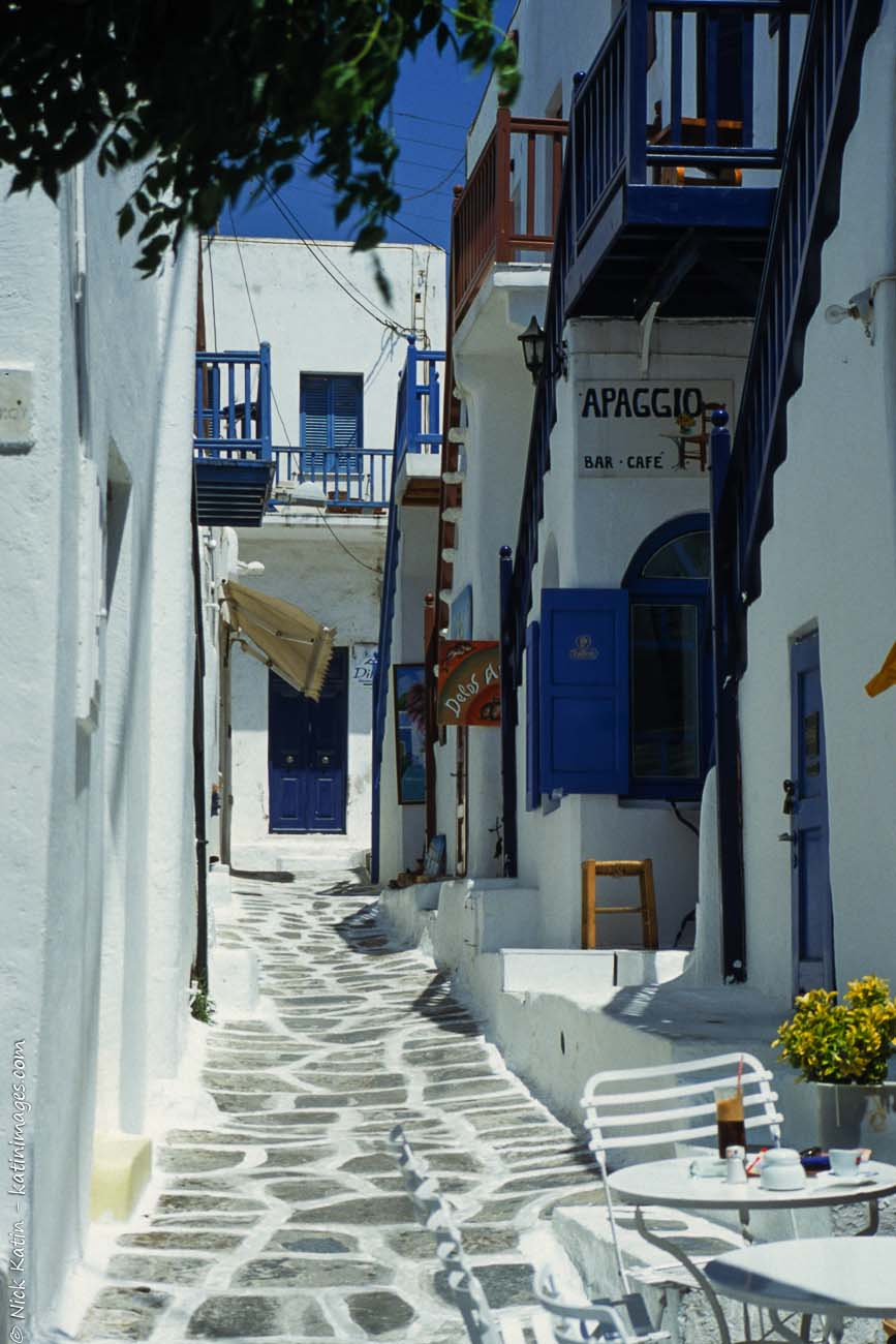 A whitewashed street in Mykonas one of the famous Greek Islands