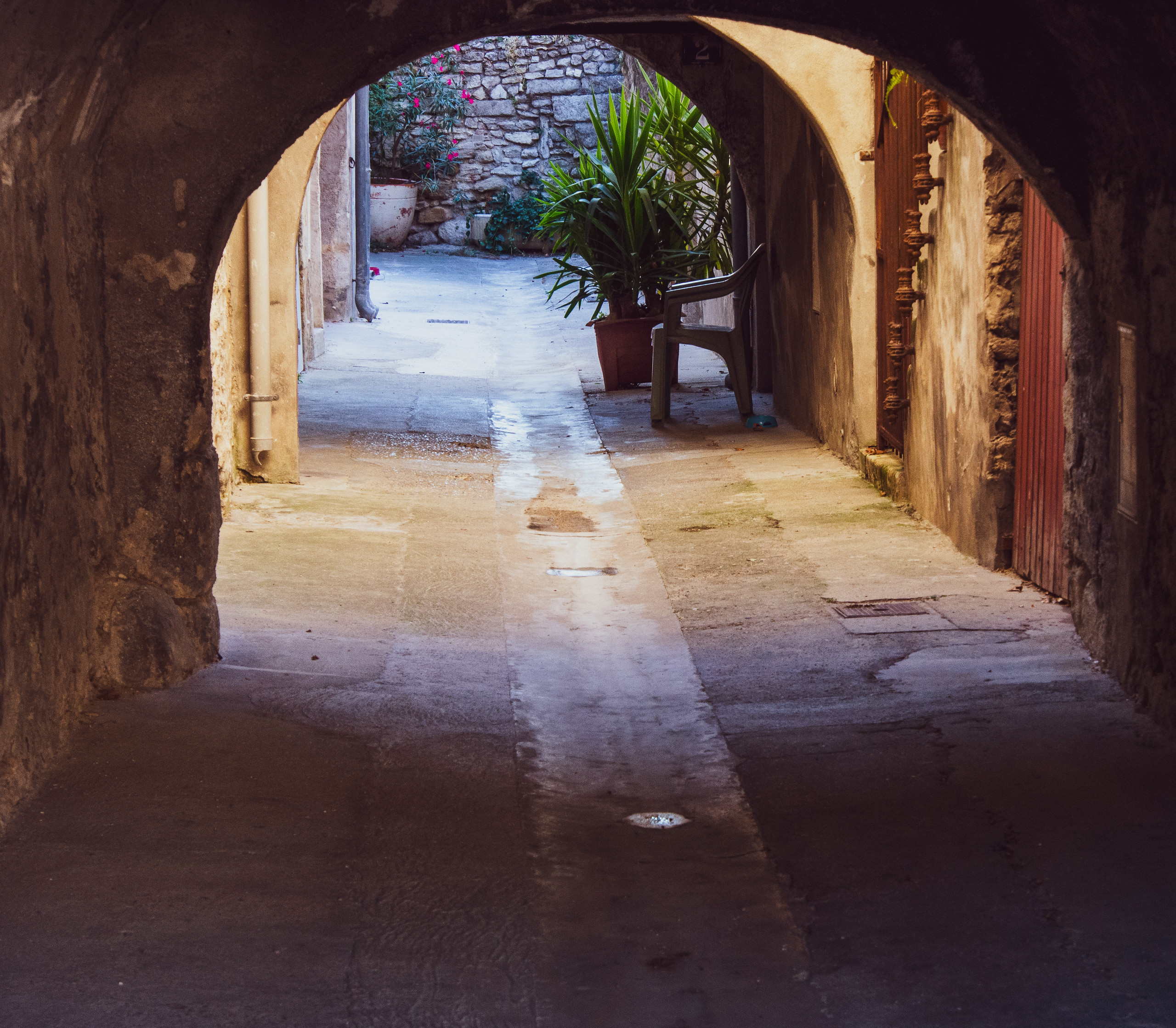 A centuries old passage in Avignon.