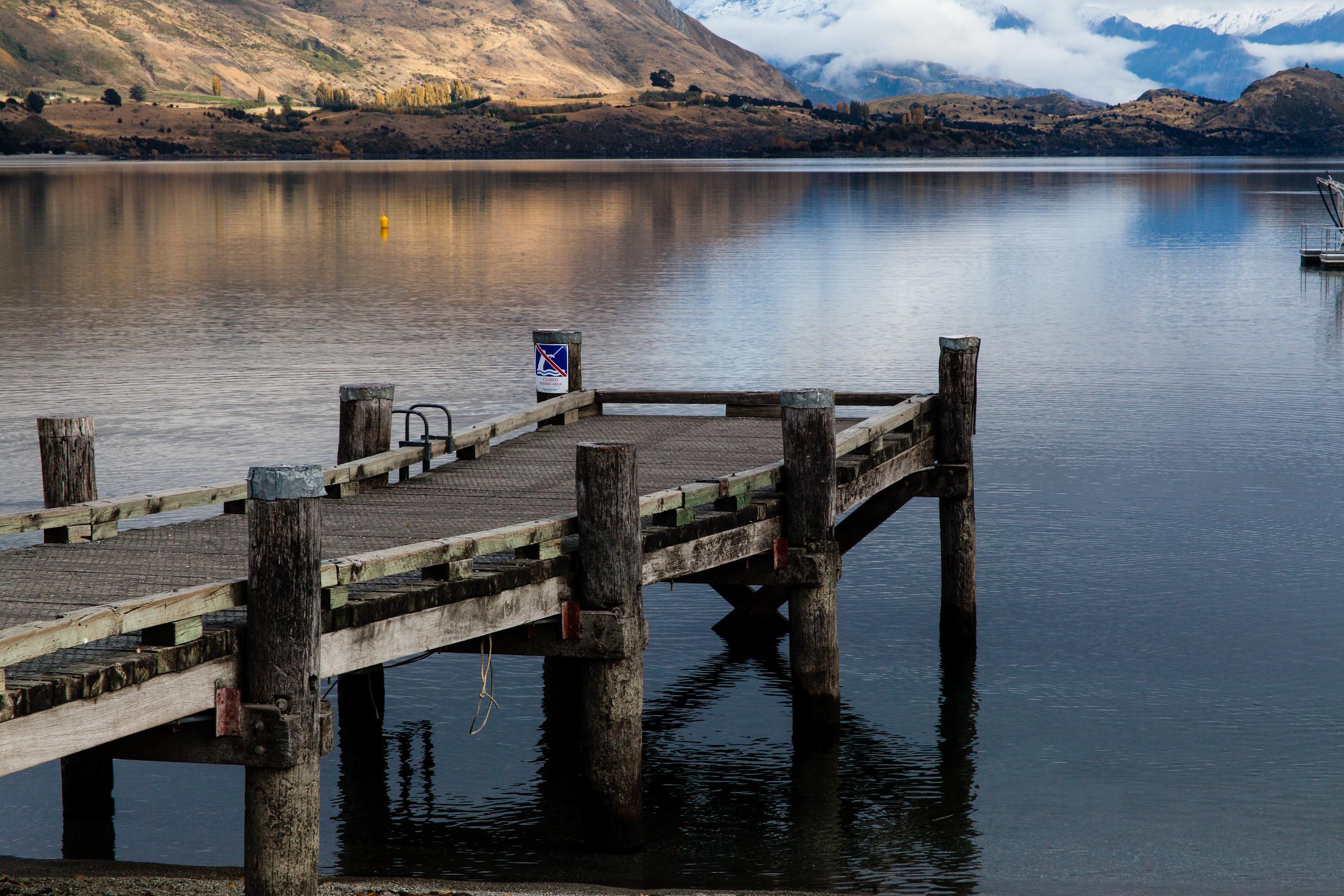 Lake Wanaka on the south Island of kiwi land.